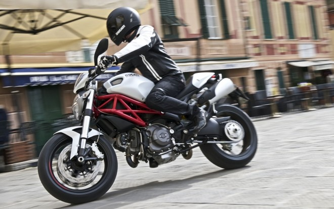 2010 Ducati Monster 796 Front Left Side View1 660x413