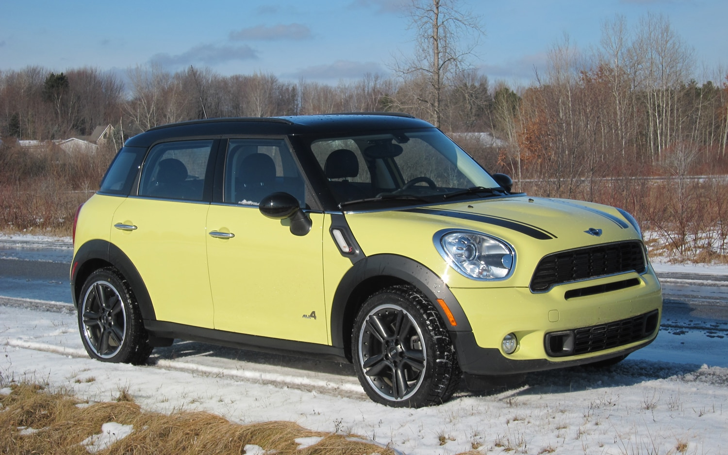 2011 MINI Cooper S Countryman ALL4 Front Right Side View1