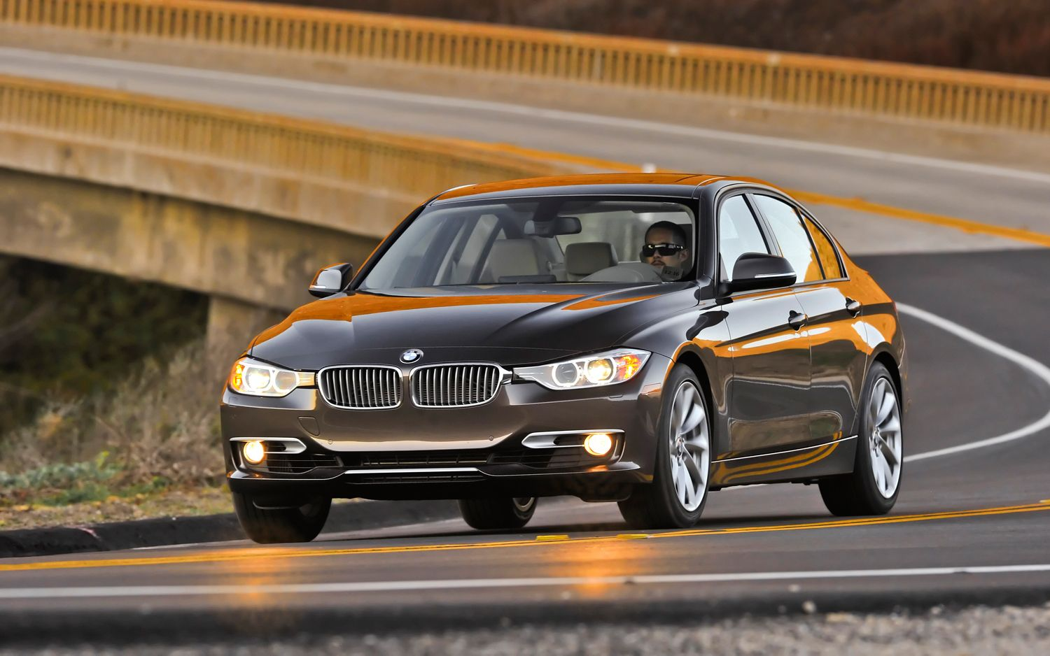 2012 BMW 3 Series Front Left View 81