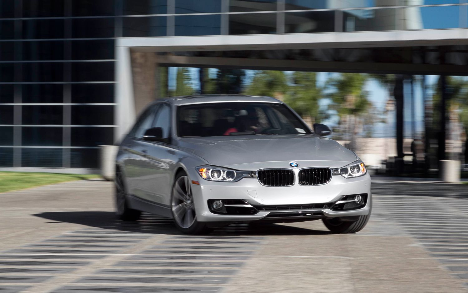 2012 BMW 328i Sport Front End In Motion1