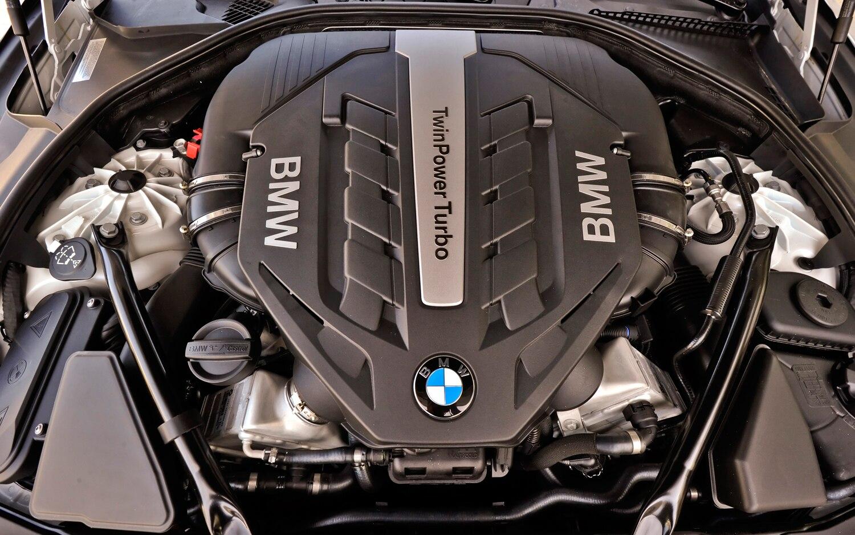 BMW I XDrive Convertible Editors Notebook Automobile - Bmw 650i engine