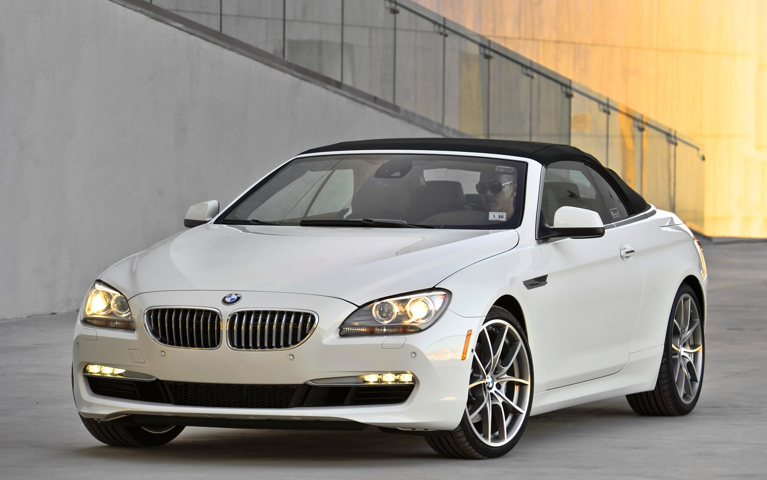 2012 BMW 650i XDrive Convertible Front Left View1