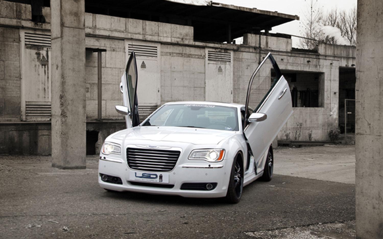 2012 Chrysler 300 With LSD Doors1