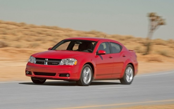 2012 Dodge Avenger SXT Front View In Motion1 660x413