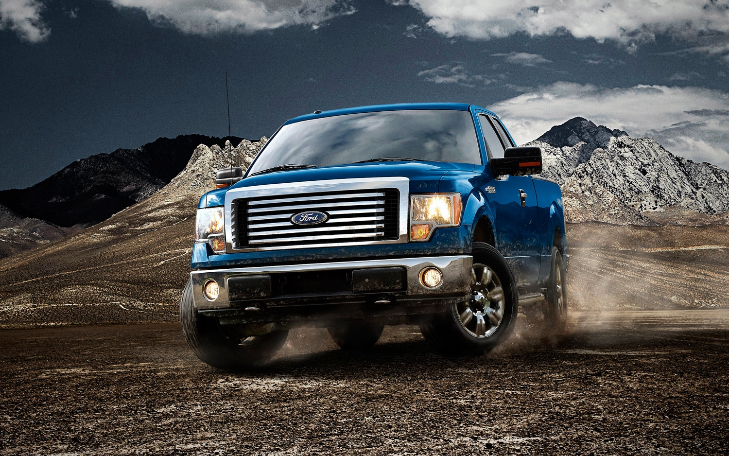 2012 Ford F 150 XLT Front Three Quarter11
