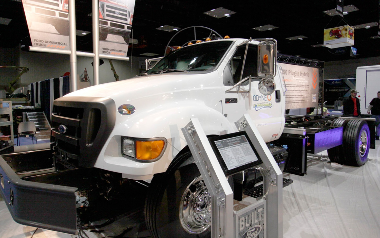 2012 Ford F 750 PHEV By Odyne Systems Front1