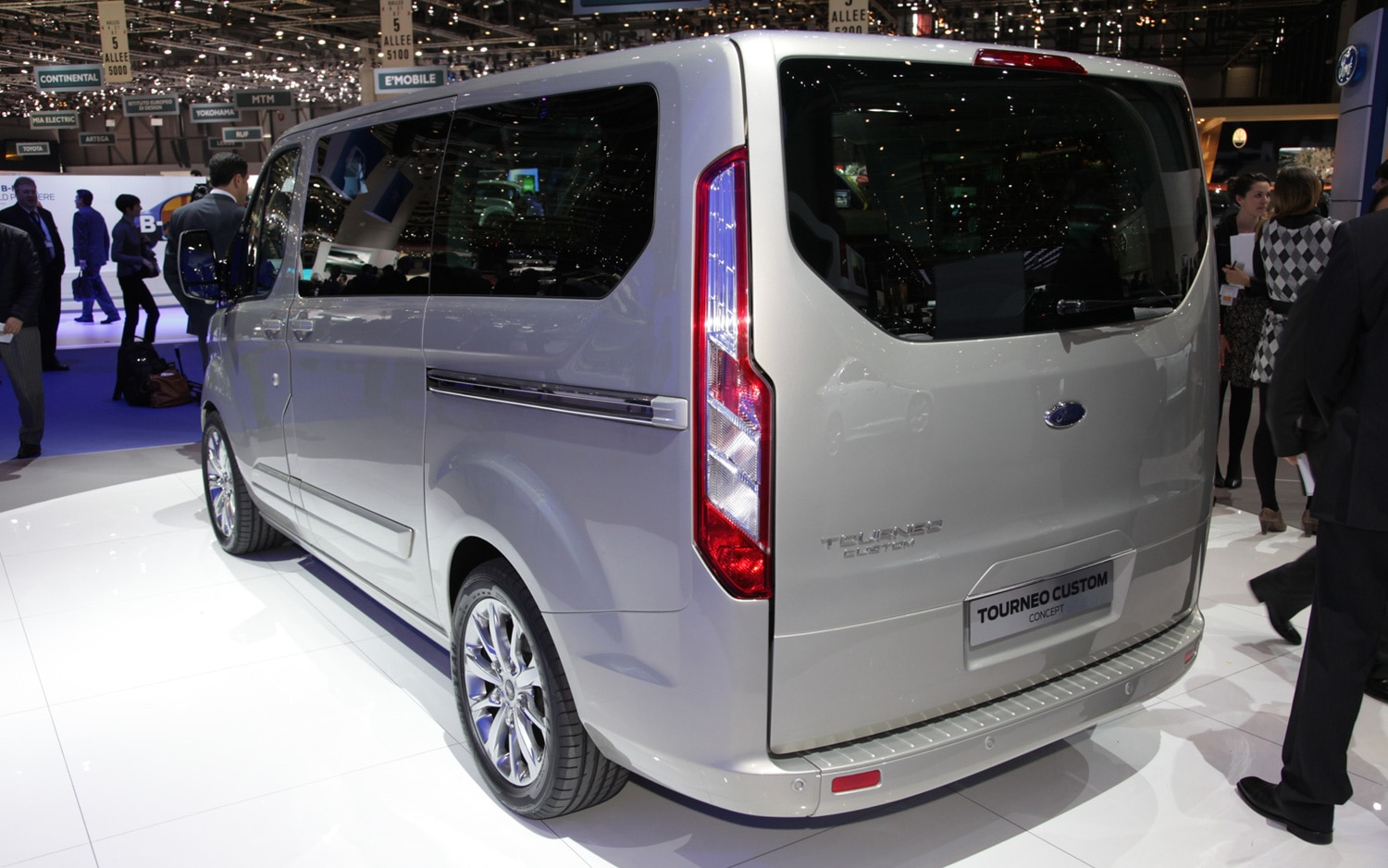 2012 Ford Tourneo Custom Rear Three Quarter1