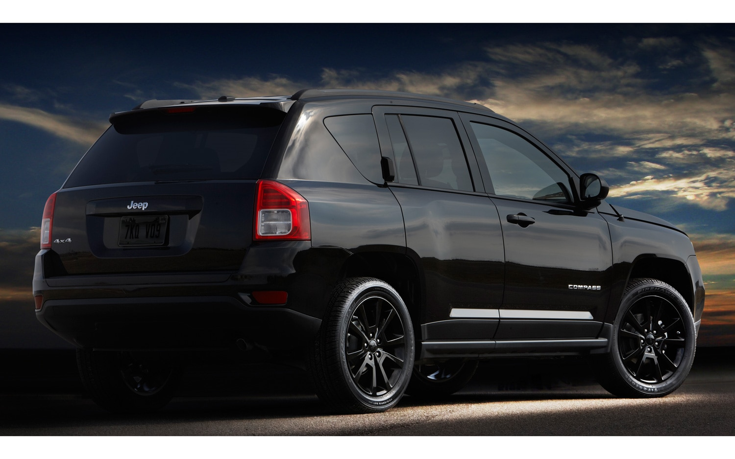 jeep launches altitude editions of grand cherokee compass and patriot. Black Bedroom Furniture Sets. Home Design Ideas