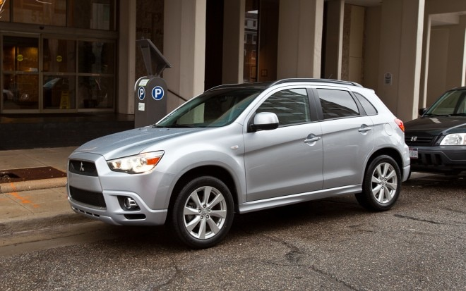 2012 Mitsubishi Outlander Sport SE AWC Front Left View1 660x413