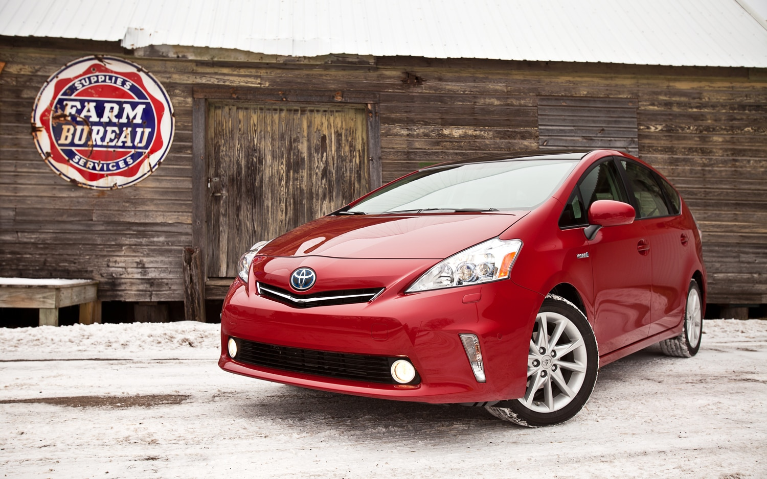 2012 Toyota Prius V Five Front Left View1