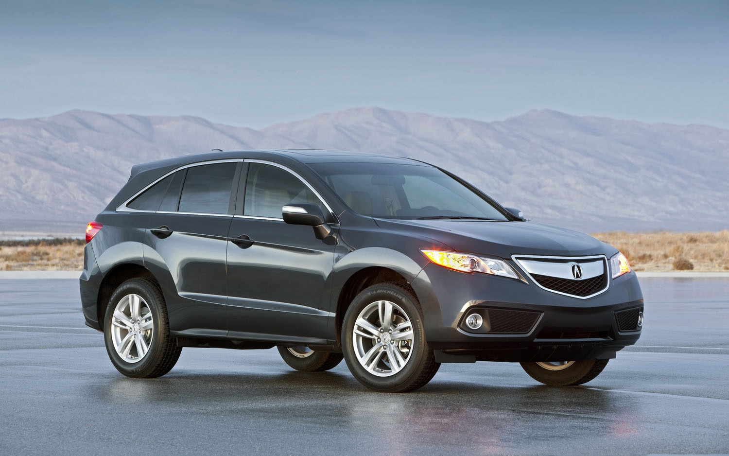 2013 Acura RDX Front Three Quarter1