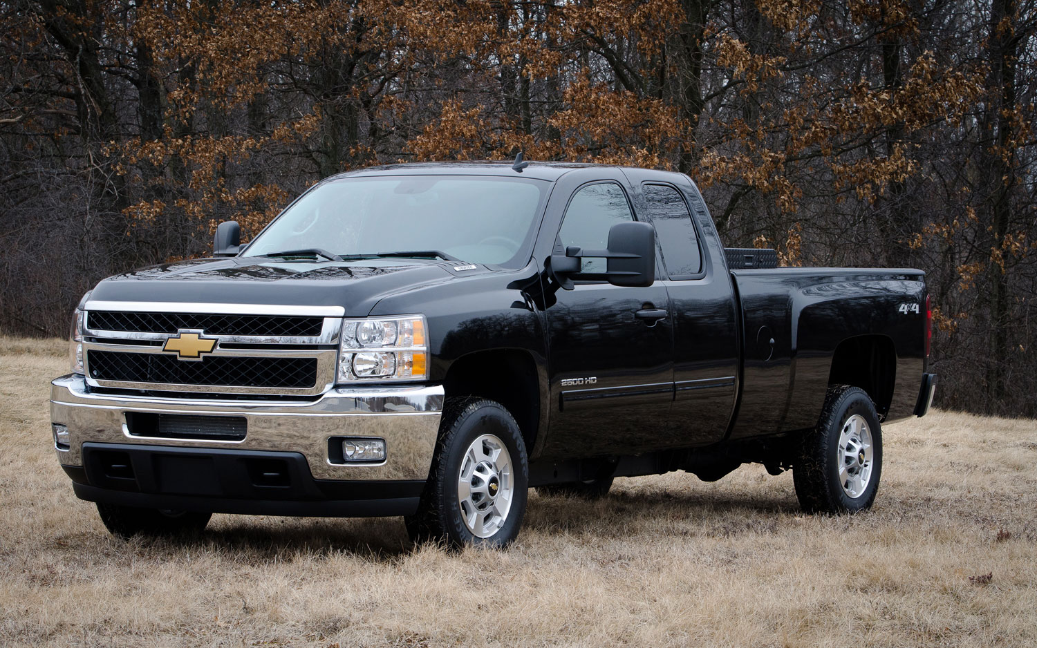 2013 Chevrolet Silverado 2500 HD Bi Fuel Front Three Quarter1