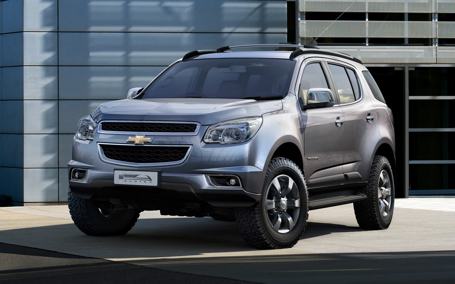 2013 Chevrolet Trailblazer Front Three Quarter1