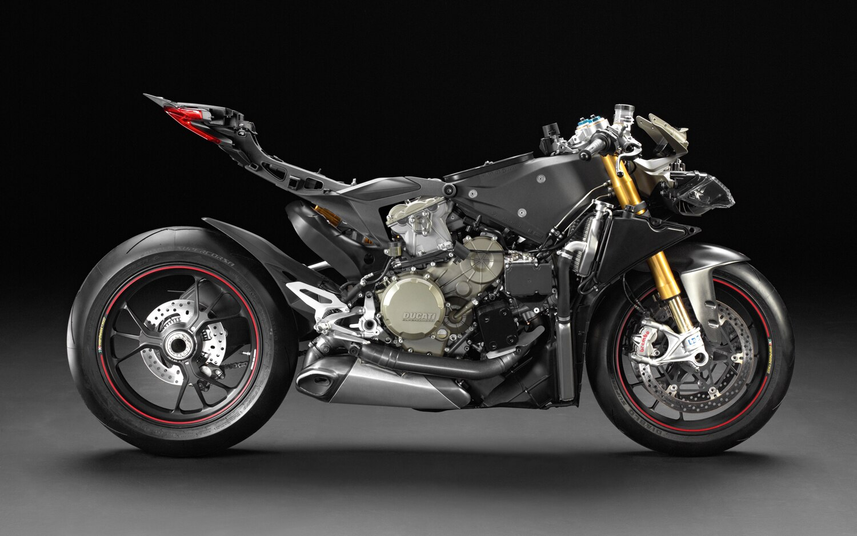 2013 Ducati 1199 Panigale Superbike Profile1