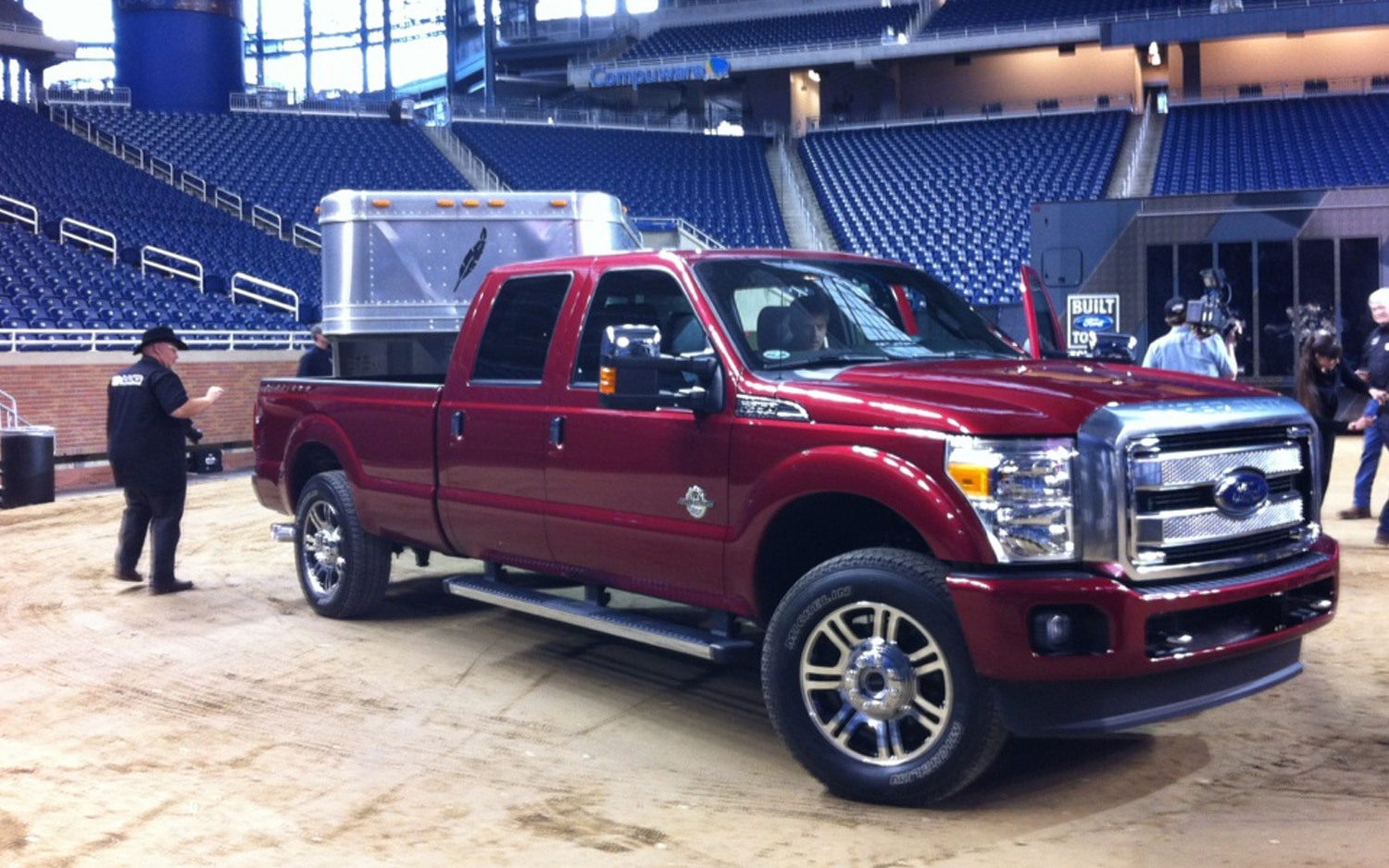 2013 Ford F Series Super Duty Platinum Front Three Quarter Live1