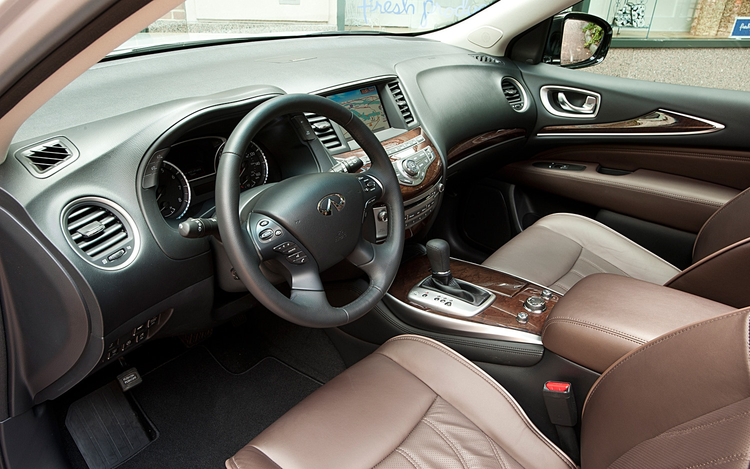 2013 infiniti jx35 first drive automobile magazine. Black Bedroom Furniture Sets. Home Design Ideas