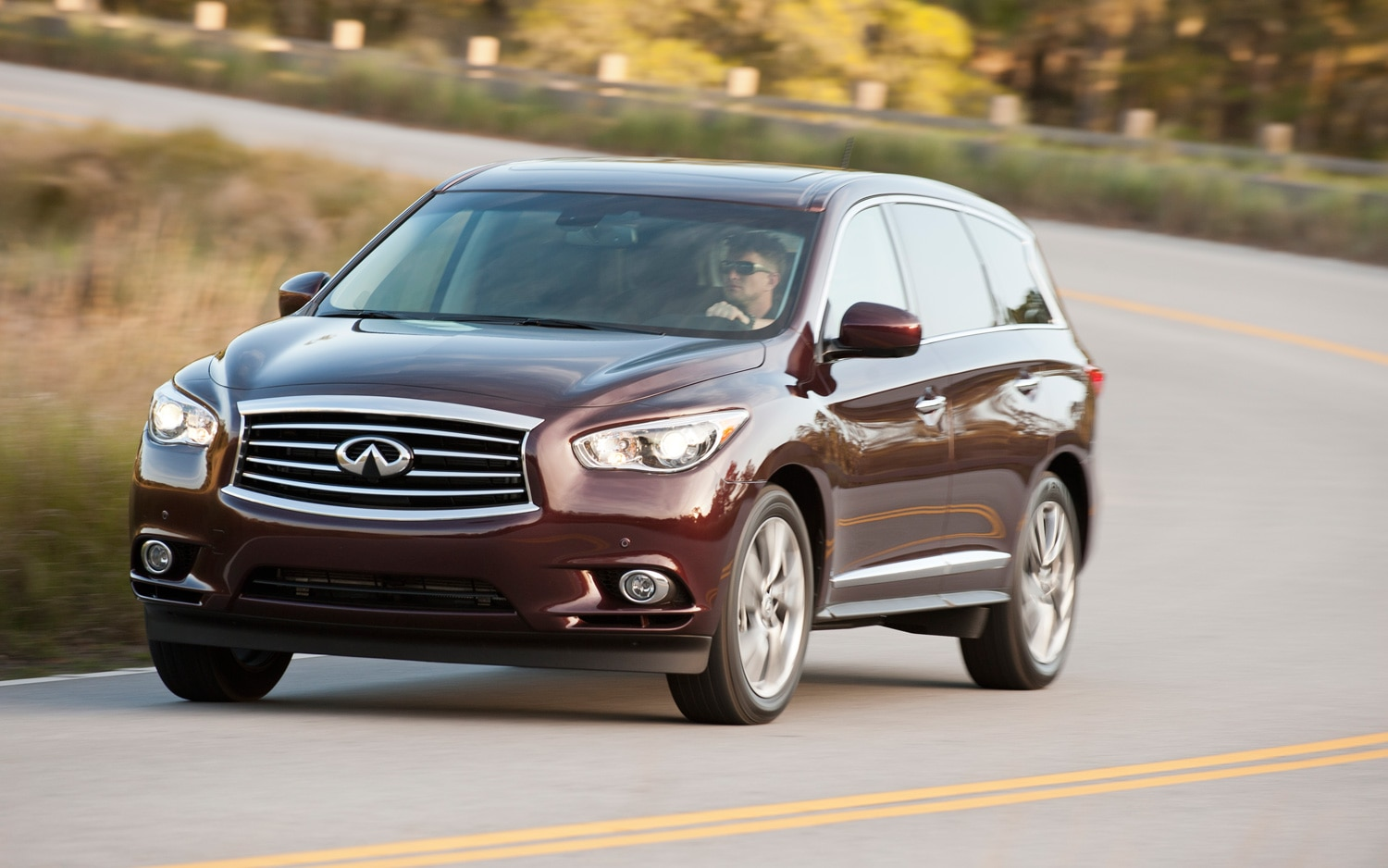 2013 Infiniti JX35 Front End In Motion1