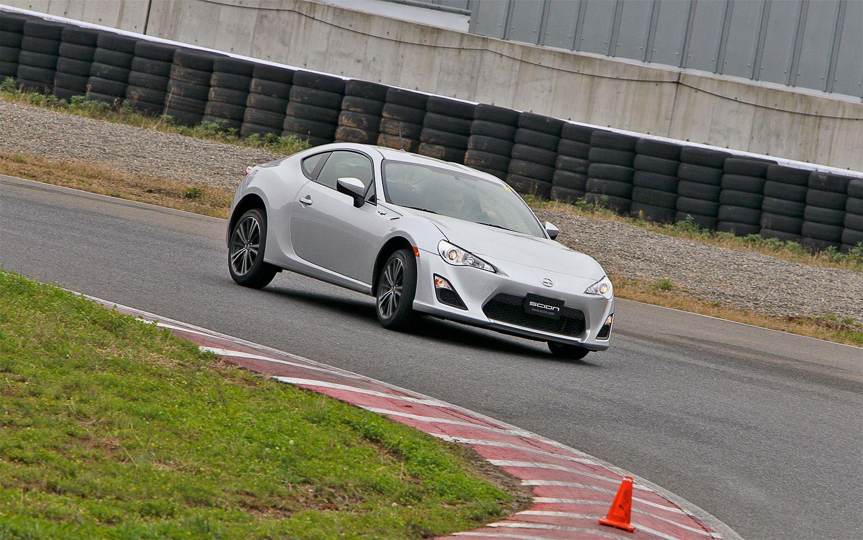 2013 Scion FR S Front Turn1