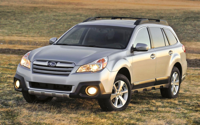 2013 Subaru Outback Front Three Quarter1