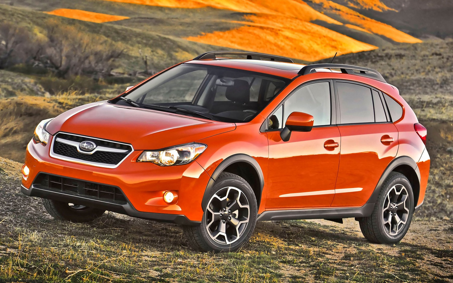 2013 Subaru XV Crosstrek Front Three Quarter1