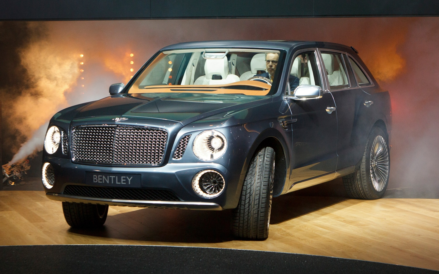 Bentley EXP 9 F Concept Front Three Quarter Live1