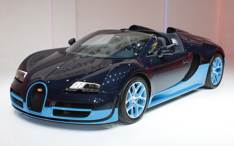 first look 2012 bugatti veyron grand sport vitesse automobile magazine. Black Bedroom Furniture Sets. Home Design Ideas