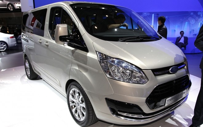 Ford Tourneo Custom Concept Front Three Quarter2 660x413