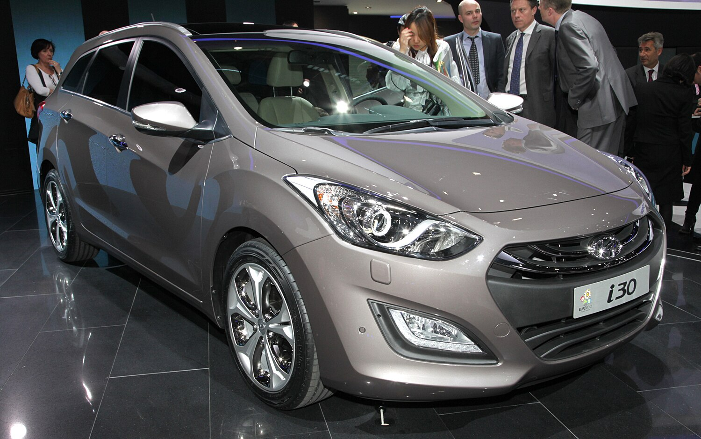Hyundai I30 Wagon Front Three Quarters1