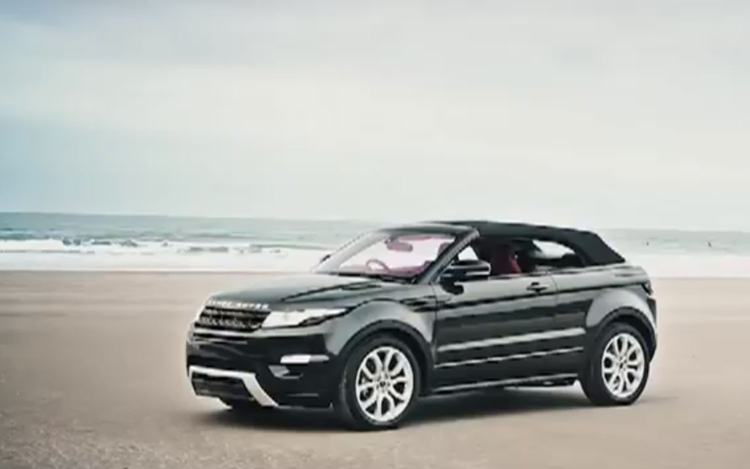 feature flick range rover evoque convertible enjoys fresh air. Black Bedroom Furniture Sets. Home Design Ideas