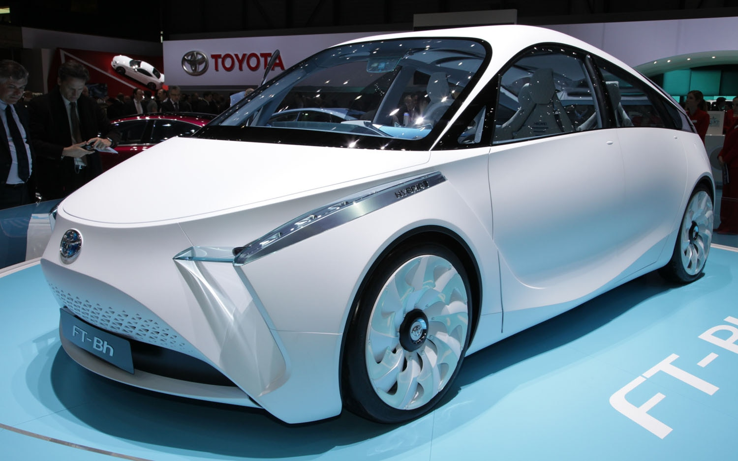 Toyota FT Bh Concept Front Three Quarter1