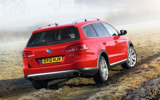 Volkswagen Passat Alltrack Rear Three Quarters1 660x413