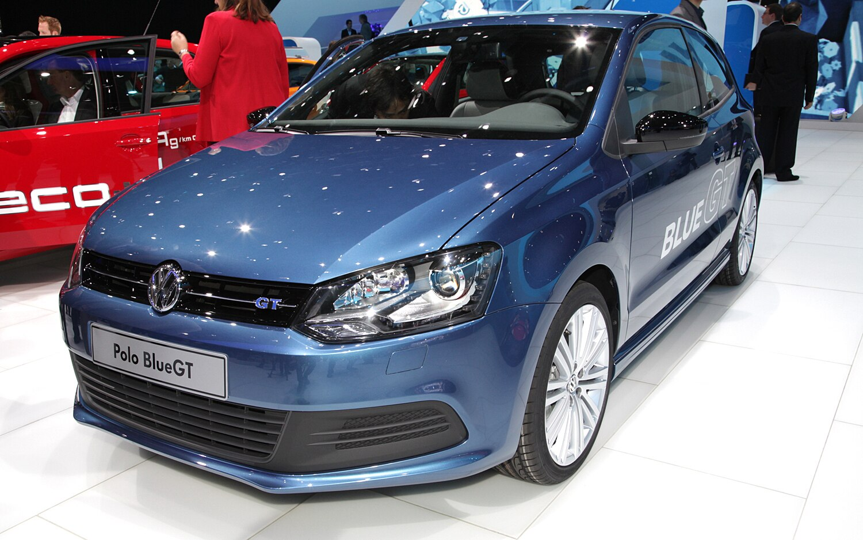 Volkswagen Polo Blue GT Front Three Quarter1