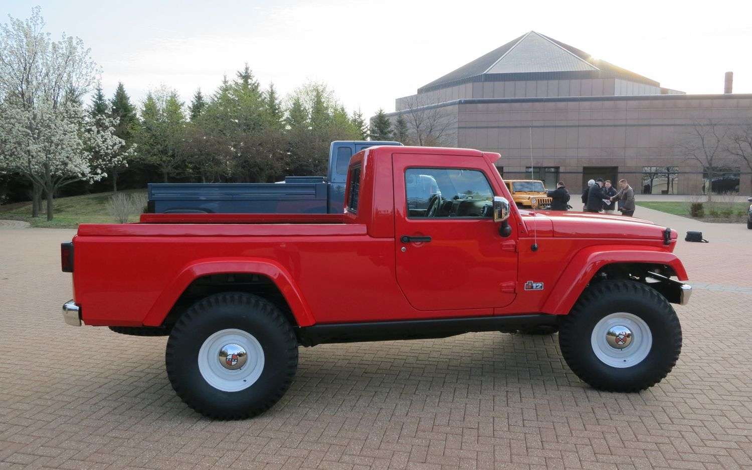 Jeep Ceo Hints At Diesel Pickup Options For Next Gen Wrangler