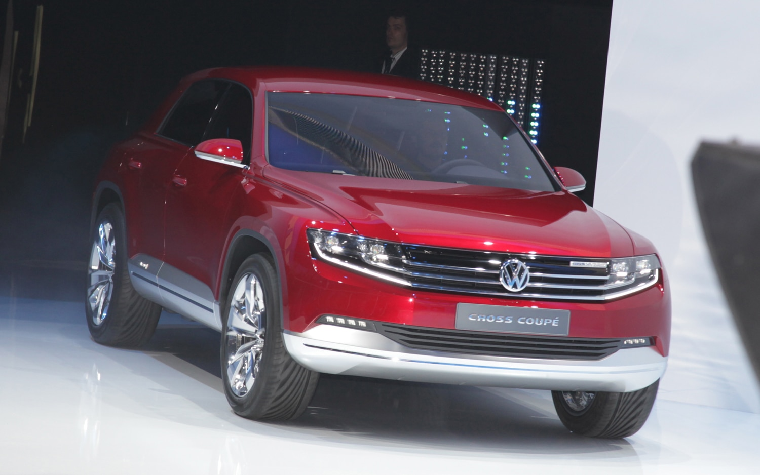 Volkswagen Cross Coupe Front Right View1