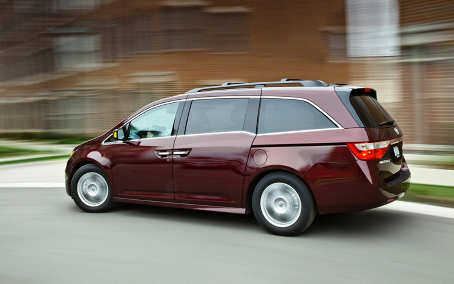 2011 Honda Odyssey Touring Elite April 2012 Automobile