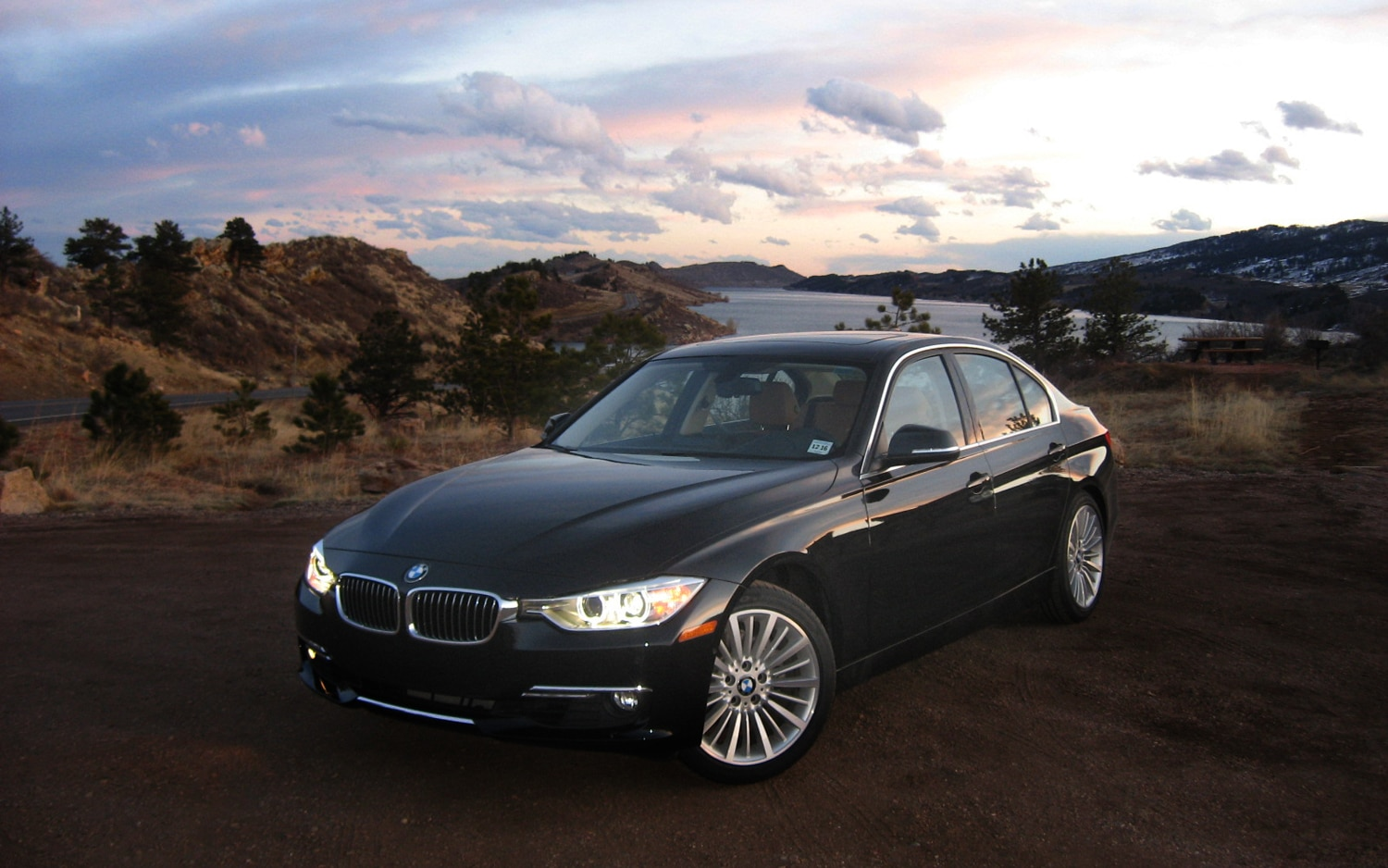 2012 BMW 328i Front Left View 31