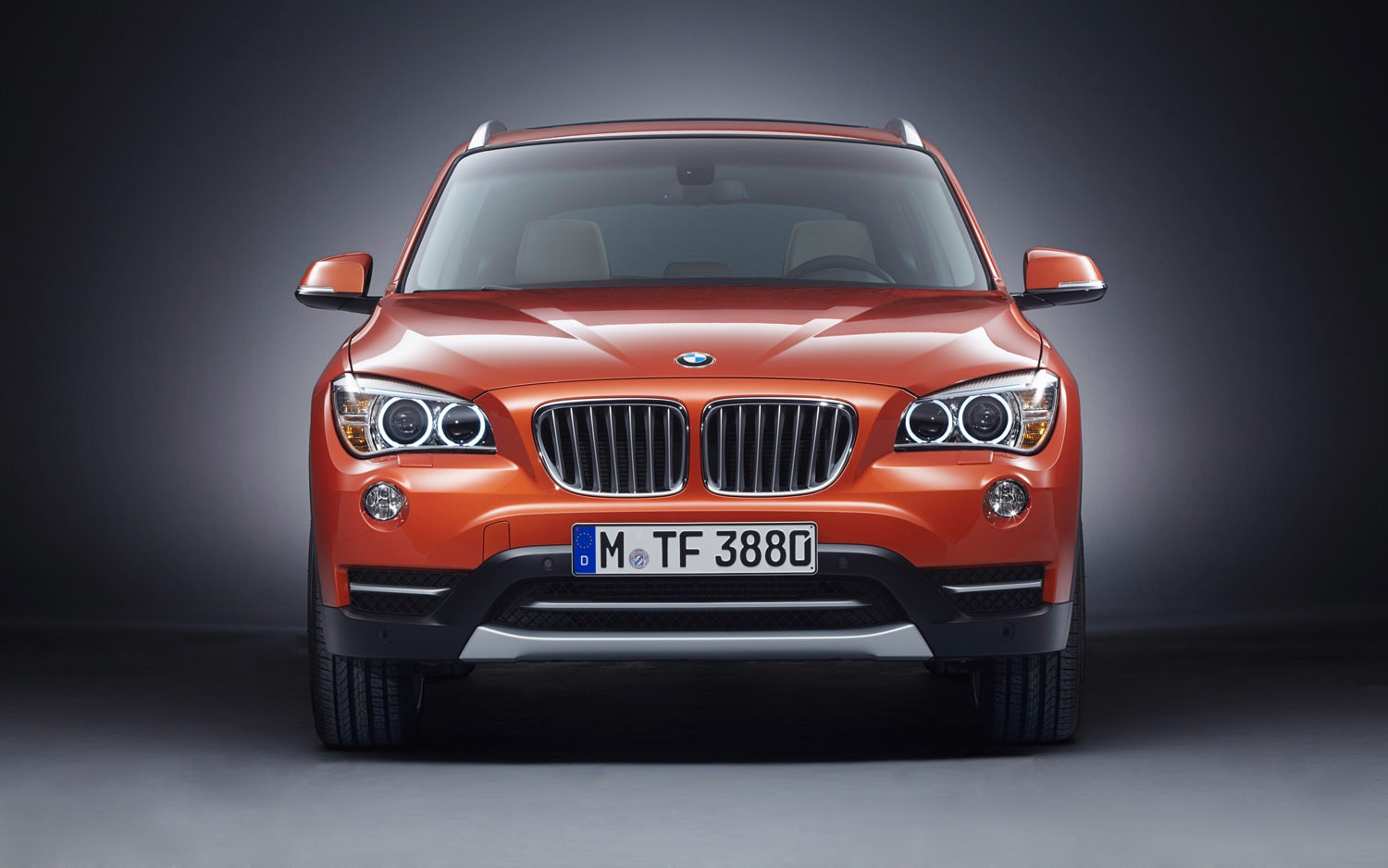 2012 BMW X1 Front View1