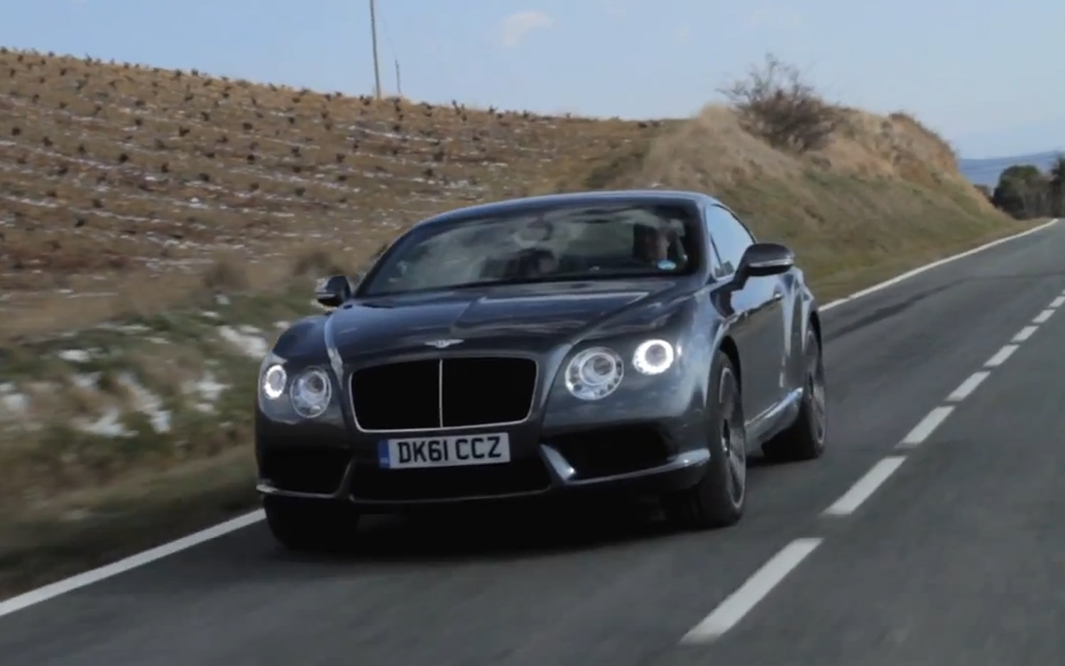 2012 Bentley Continental GT Front Three Quarter Motion1