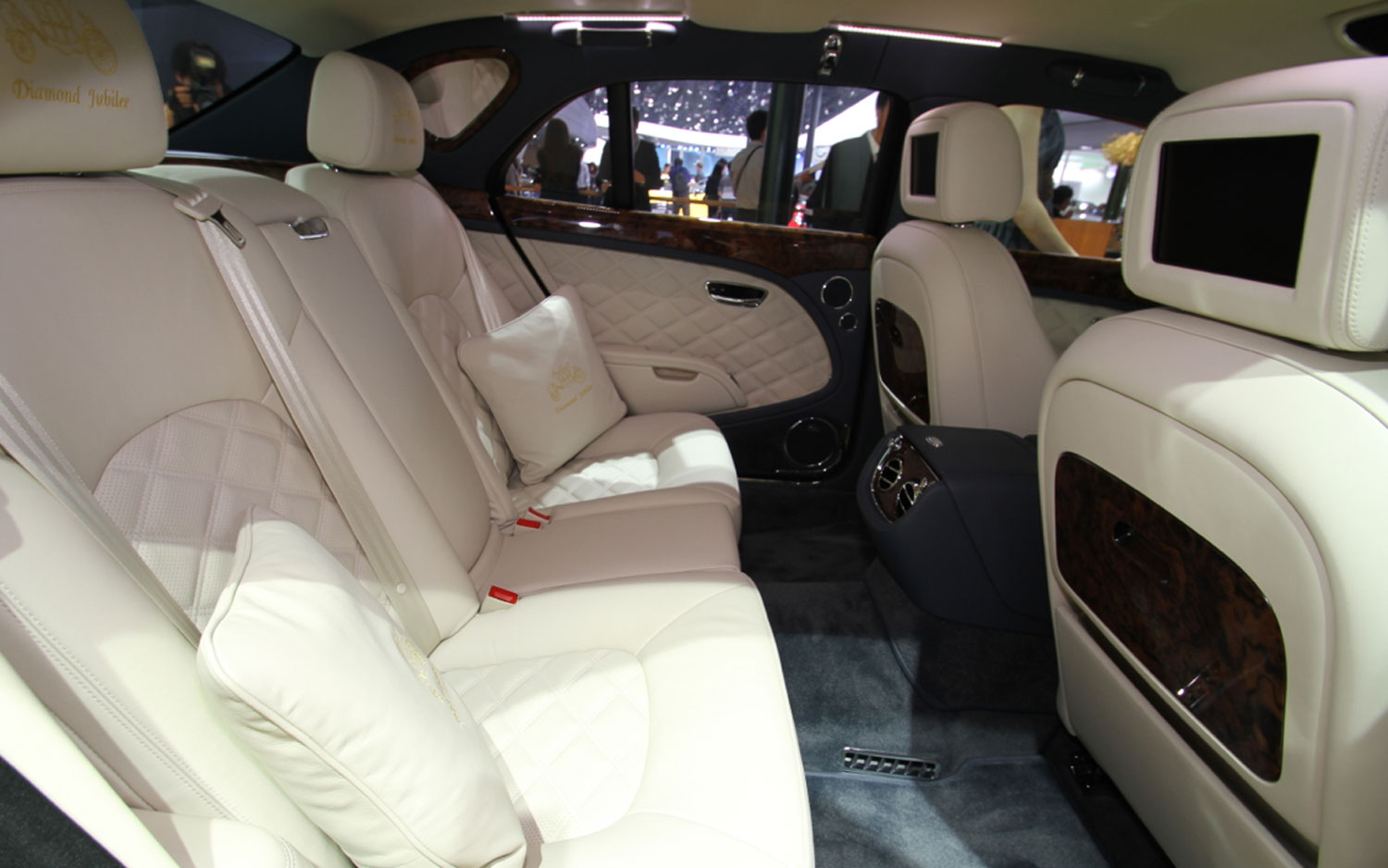 bentley reveals more powertrain details for exp 9 f suv concept. Black Bedroom Furniture Sets. Home Design Ideas
