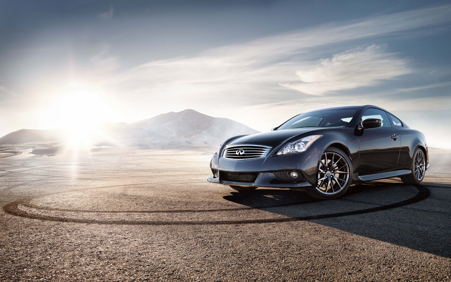 2012 Infiniti G37 IPL Coupe Front Three Quarter1