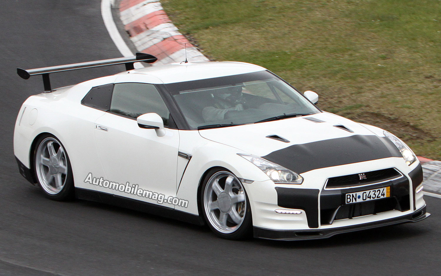 2012 Nissan GT R Nurburgring Racer Prototype Front Three Quarters View1