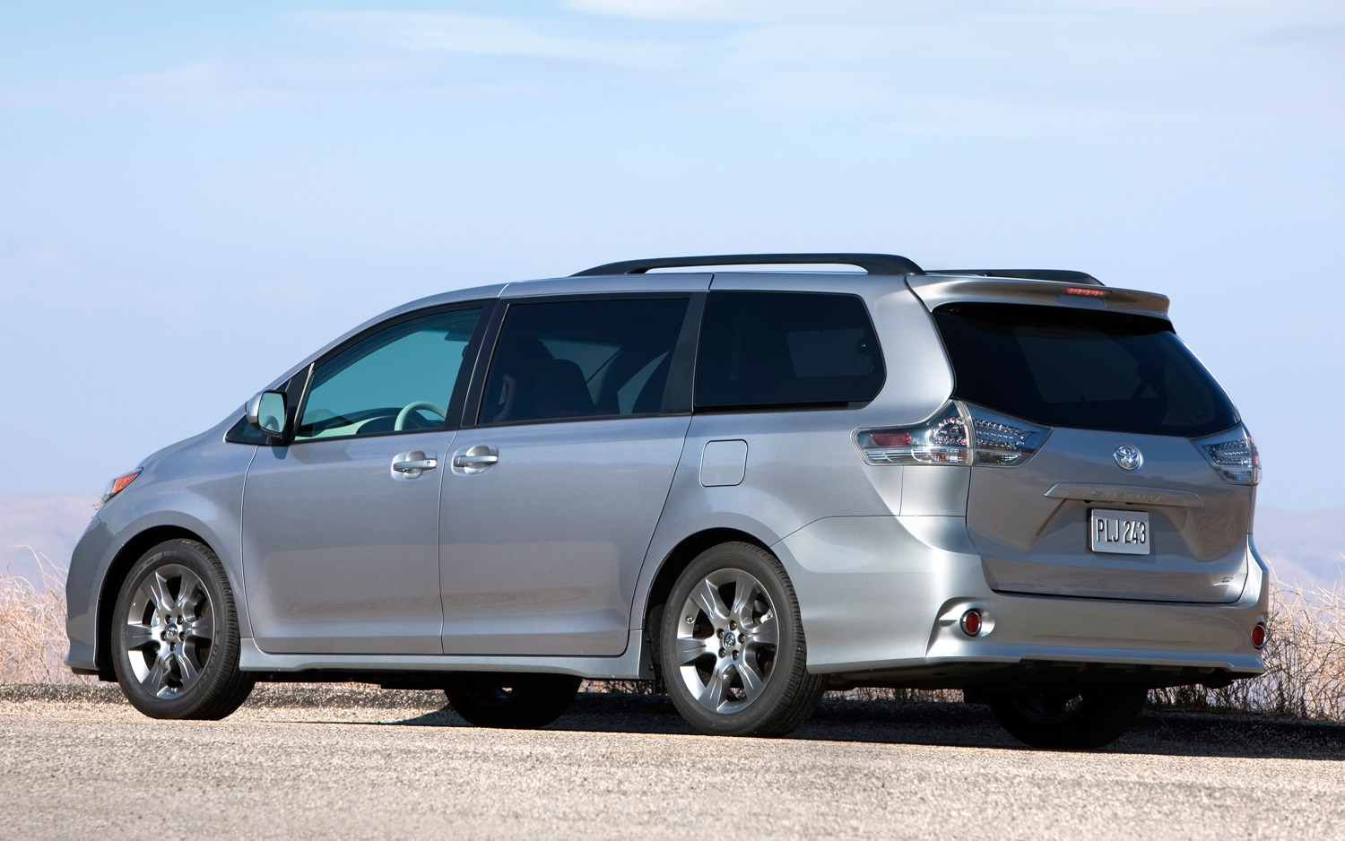 Disabled young drivers want anything but a minivan for Should i buy a toyota sienna or honda odyssey