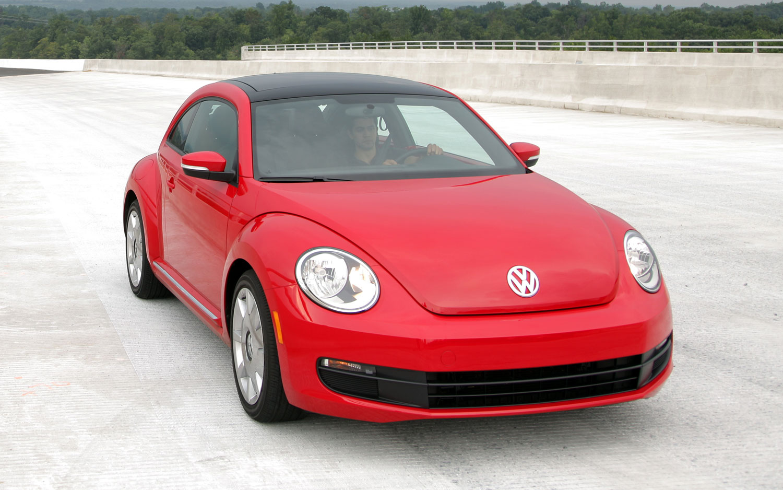 2012 Volkswagen Beetle Front View1