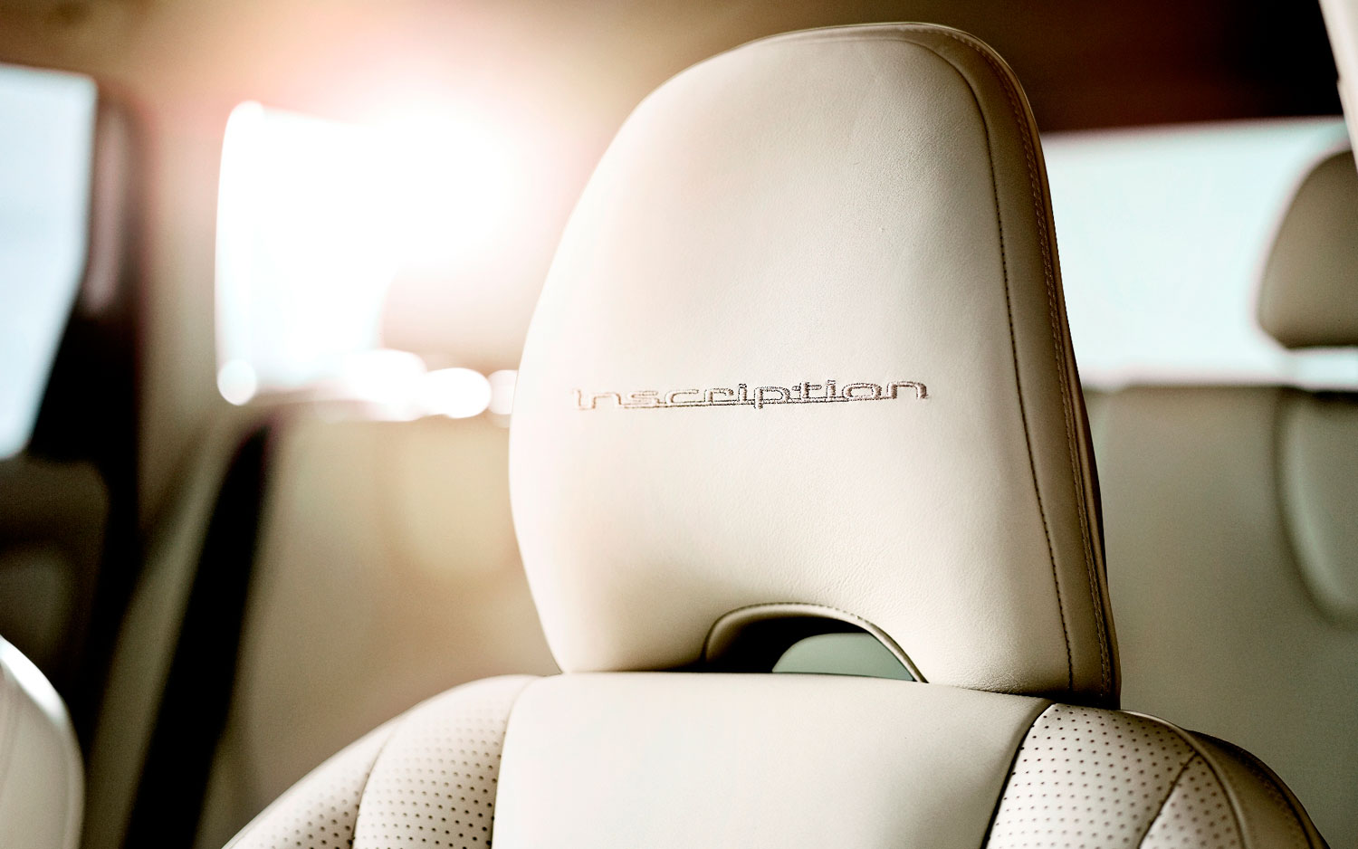 2012 Volvo XC60 Inscription Embroidered Head Rest1