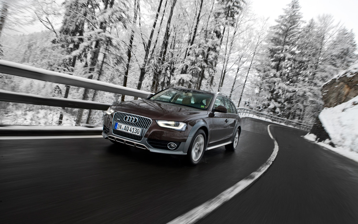 2012 Audi Allroad Front Left View1