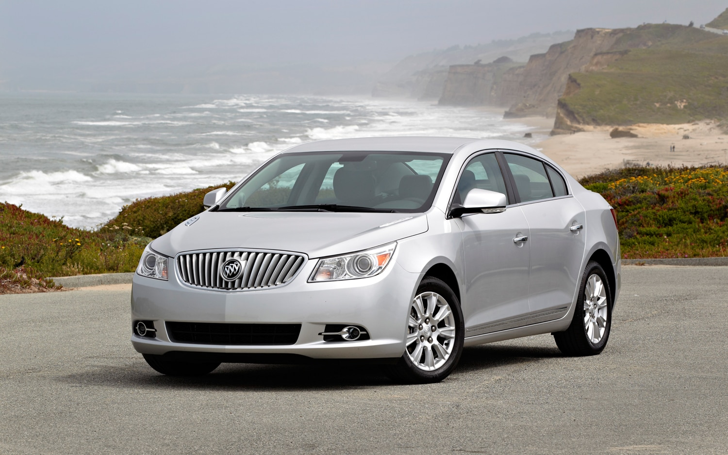 2012 Buick LaCrosse Premium I Group Front Left View1