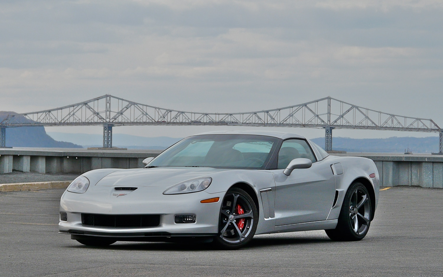 2012 Chevrolet Corvette Front Left View1