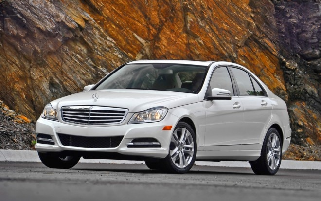 2012 Mercedes Benz C300 4Matic Front Left Side View 21 660x413