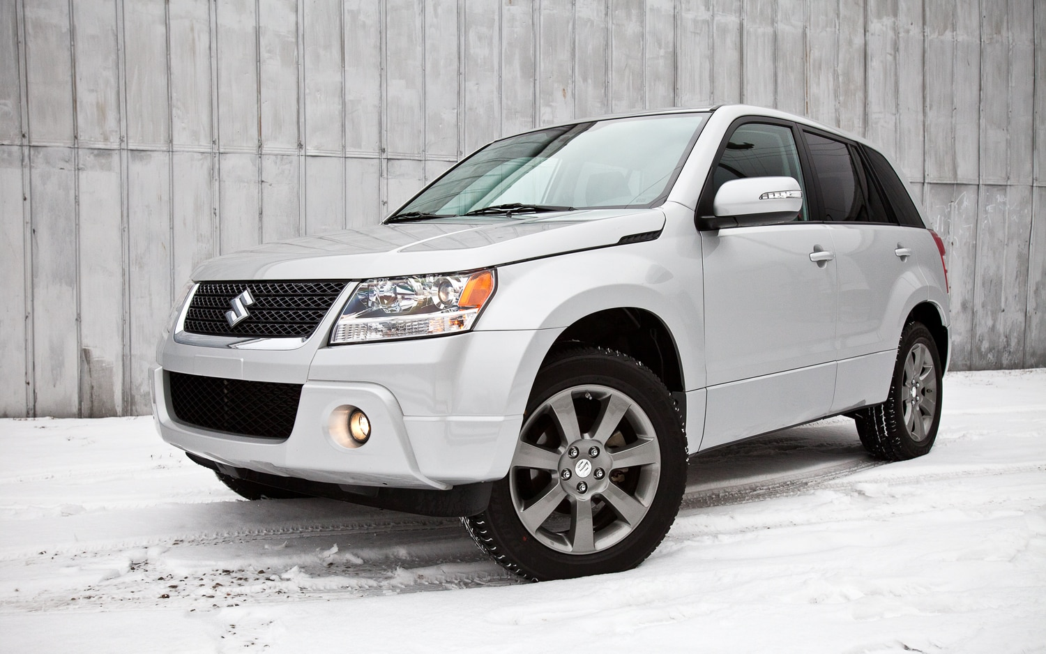2012 Suzuki Grand Vitara Ultimate Adventure Edition 4WD Navi Front Left View1