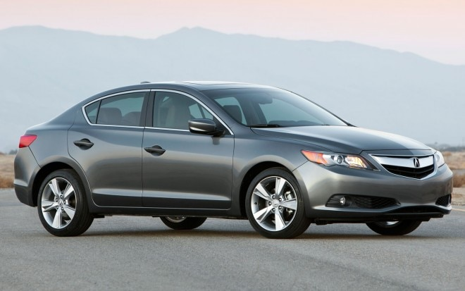 2013 Acura ILX 20L Front Three Quarters View1 660x413
